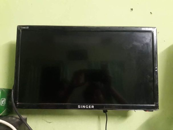 Singer Titanax LED TV 19''