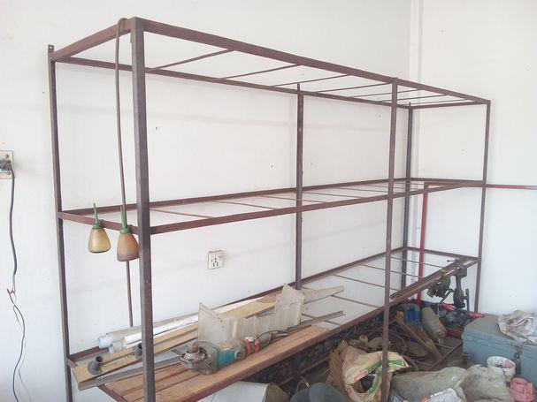 Display & Wall mounted Racks