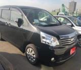 Toyota Noah X Smart 2013