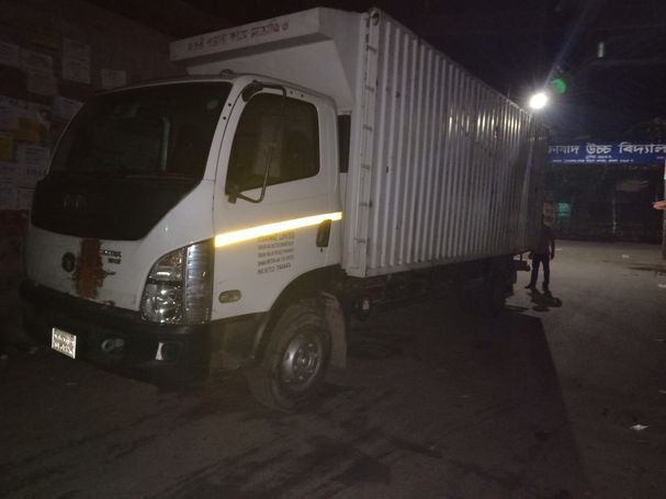 Tata Ultra 1012 Covered Van