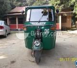 bajaj-205 cc , gajipur,th-11-4692