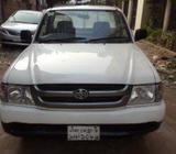 Toyota Hilux 24D Pickup 2004