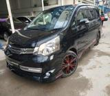 Toyota Noah Si Gs 2013