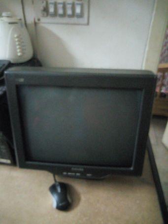 Philips crt monitor 107s7