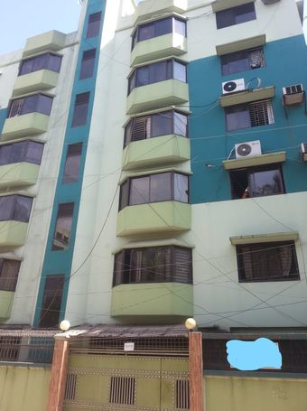 very good location at the centre of uttara walking distance to famous schools,markets,restaurants