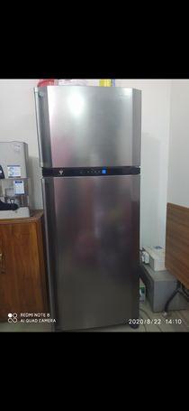 Title: Sharp Refrigerator SJ-PE62LH-H