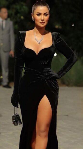 Online wholesale high-end dress